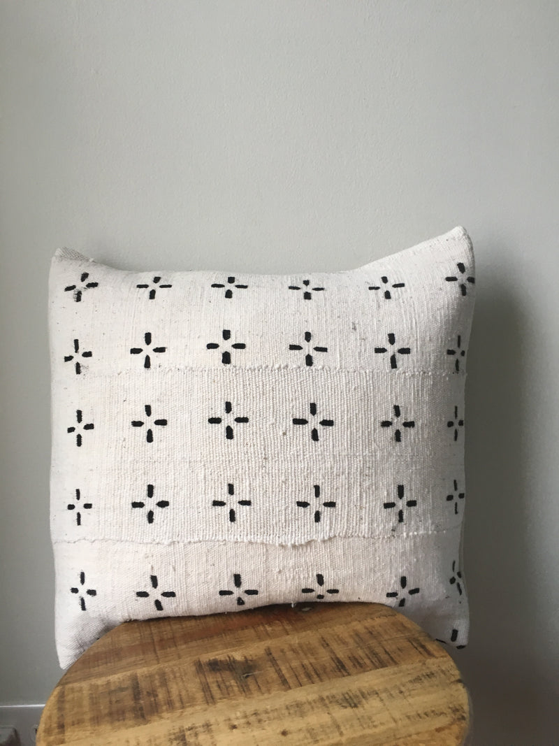 LARGE BLACK AND WHITE SMALL CROSS PRINT AFRICAN MUDCLOTH PILLOW COVER WITH INSERT AFRICA HANDMADE FABRIC COVERS MADE CUSTOM