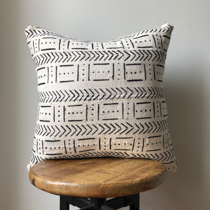 ARROW DASH MUDCLOTH Pillow Cover