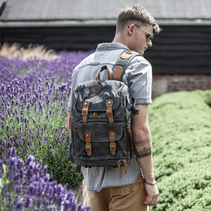 Waxed canvas Camera Backpack 2019
