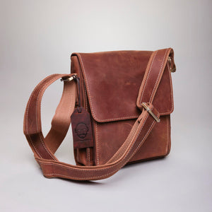 Leather messenger bag (Unisex 2018)