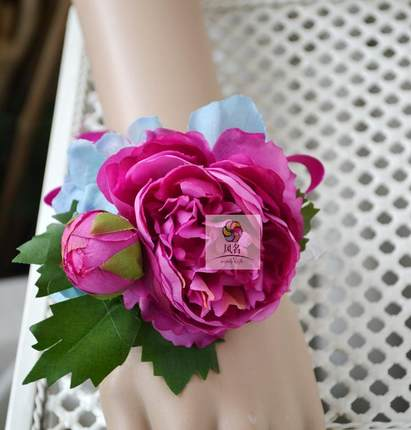 Corsage Flowers Wristband Lotus Wrist Corsages for Prom, Party, Wedding 4 Pack