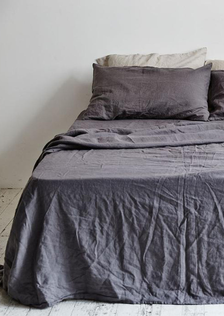 Linen Fitted Sheet in Charcoal