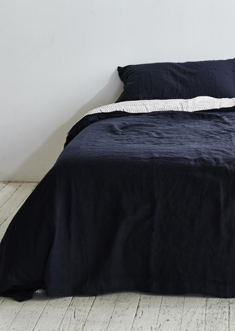 INBED Linen Duvet Cover in Navy