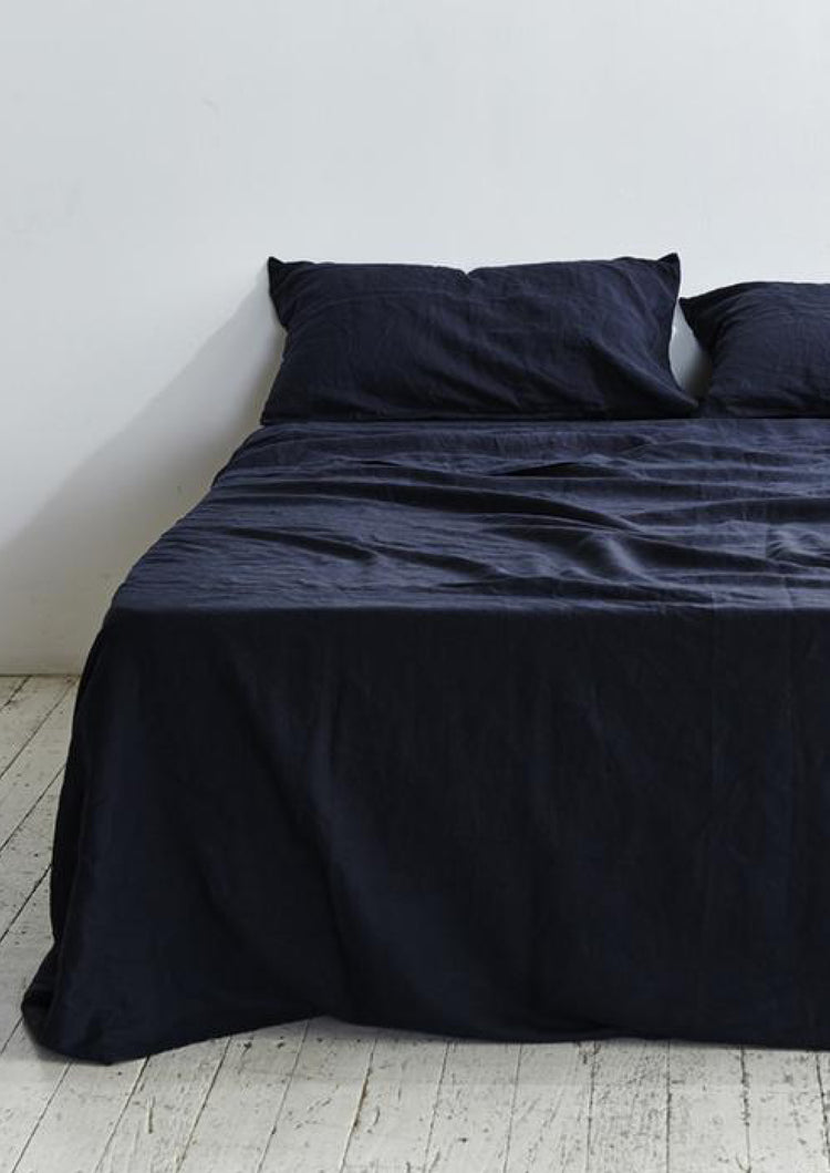 Linen Flat Sheet in Navy