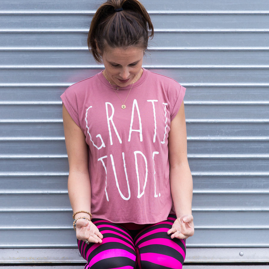 Gratitude Muscle Tee Mauve - Being Happy Buddha