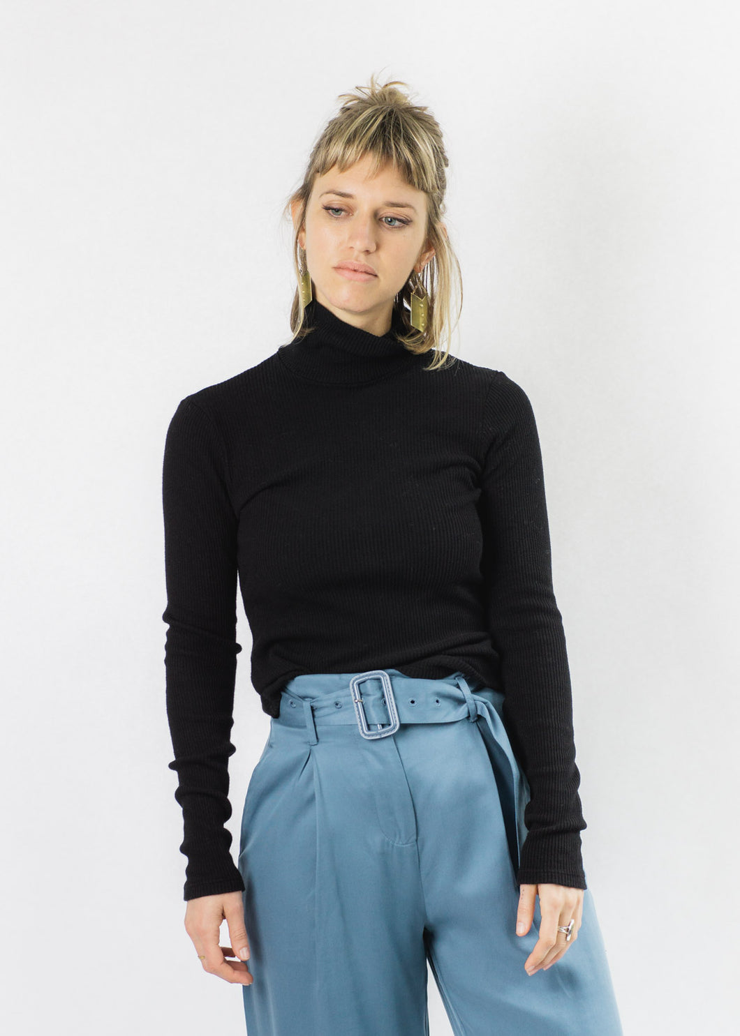 LACAUSA BLACK SWEATER RIB TURTLENECK