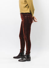 LEVIS MADE AND CRAFTED WOMENS 721 VELVET PANTS
