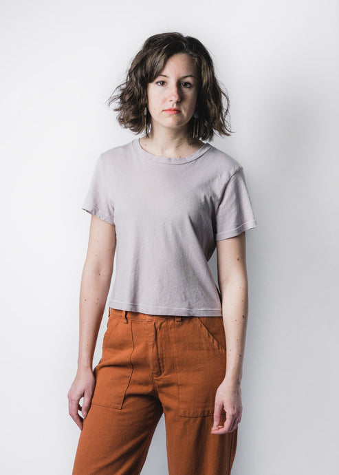 LACAUSA ALMOND LUXE FOSTER TEE