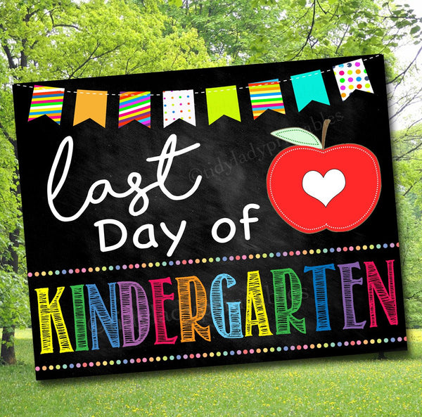 image relating to Last Day of Kindergarten Printable titled Previous Working day of College Picture Prop, Past Working day Kindergarten, College Chalkboard Milestone Indication, Remaining Working day of University Printable Prop, Fast Down load