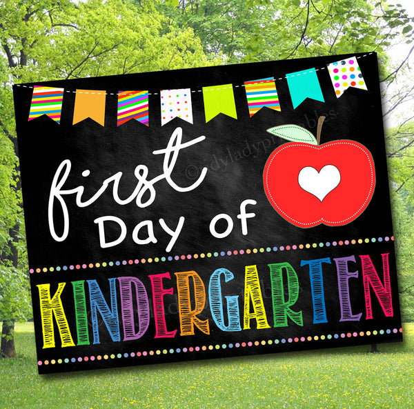 Back to School Photo Prop, First Day of Kindergarten, School Chalkboard Milestone Signs, 1st Day of School Printable Prop, INSTANT DOWNLOAD