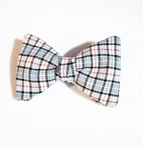 Sir. Alfredo Castro Pretied Butterfly Bow Tie