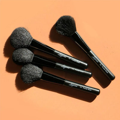 LUSCIOUS POWDER BRUSH