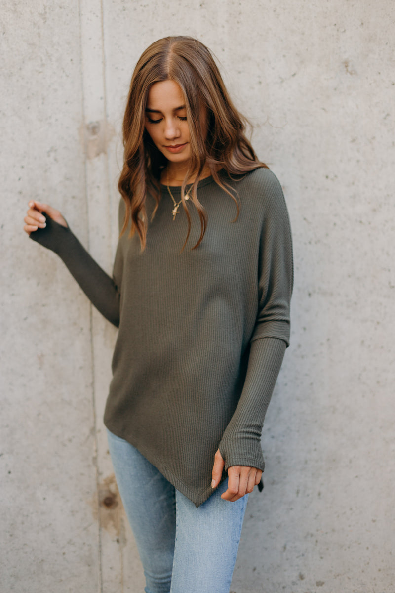 Clara Assymetric Hem Top with Thumbhole - RUST & Co.