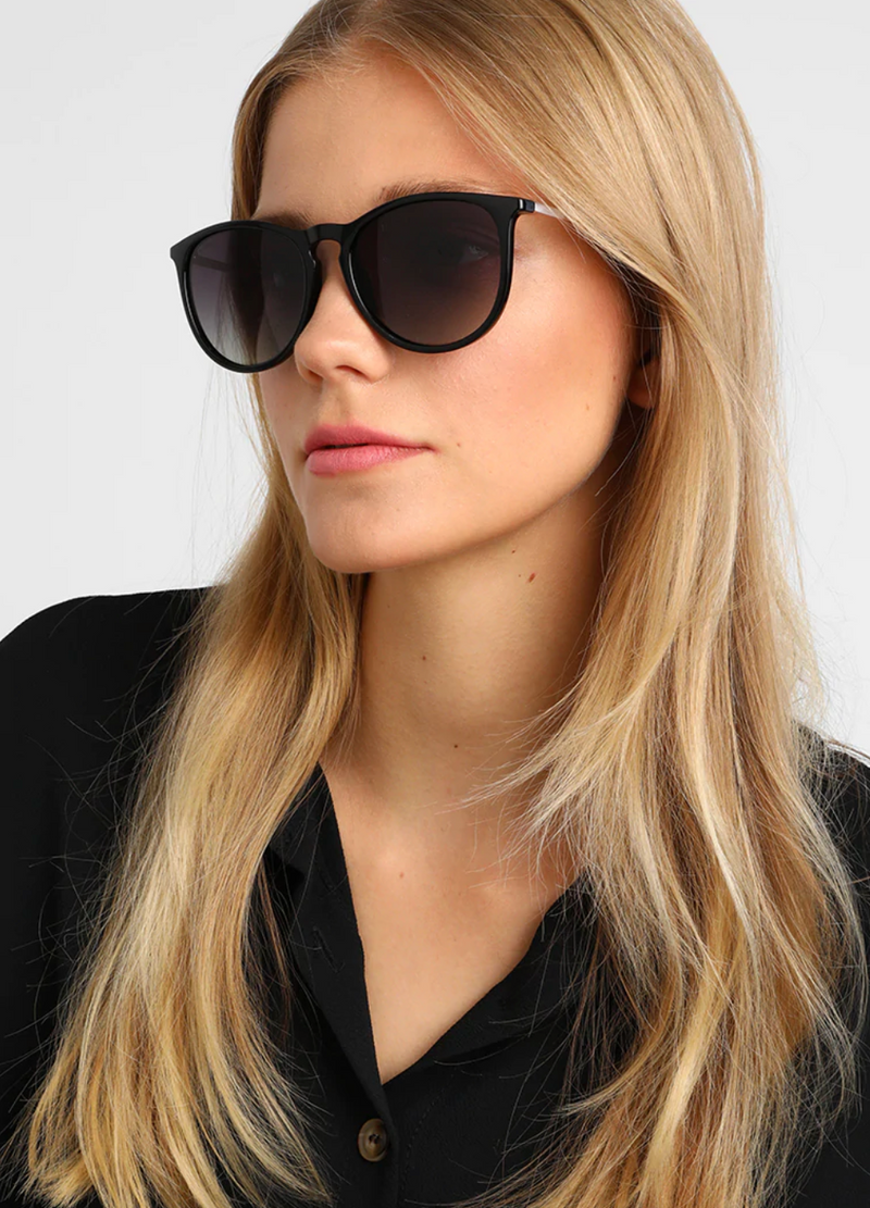 Pilgrim Sunglasses, Vanille Black