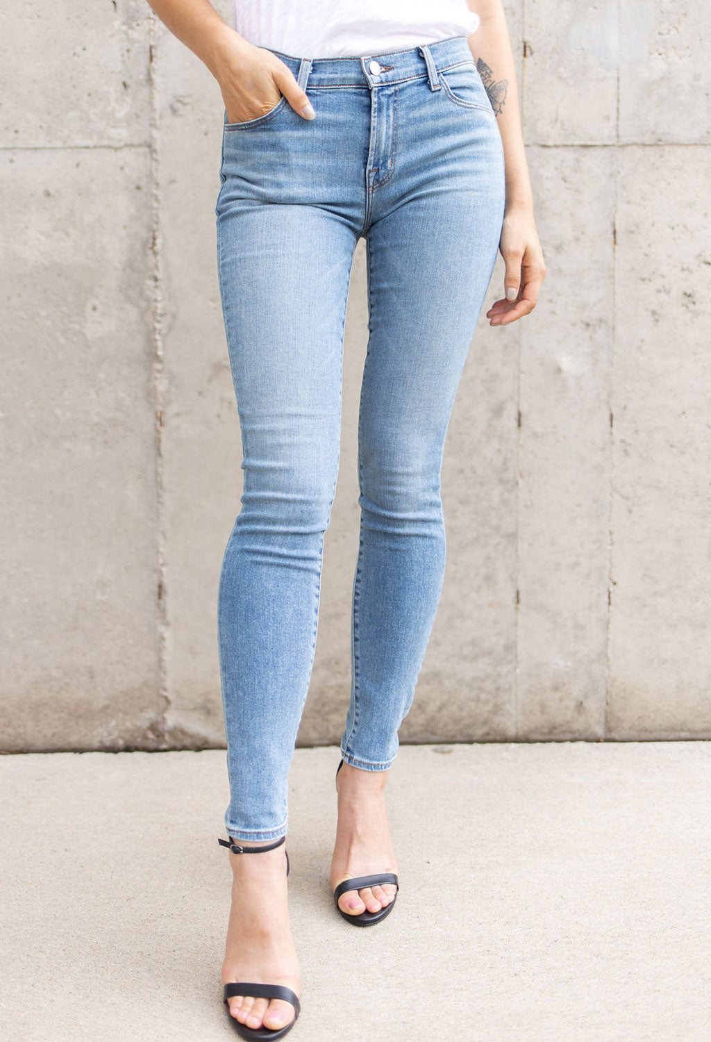 J Brand 620 Mid Rise Super Skinny - RUST & Co.