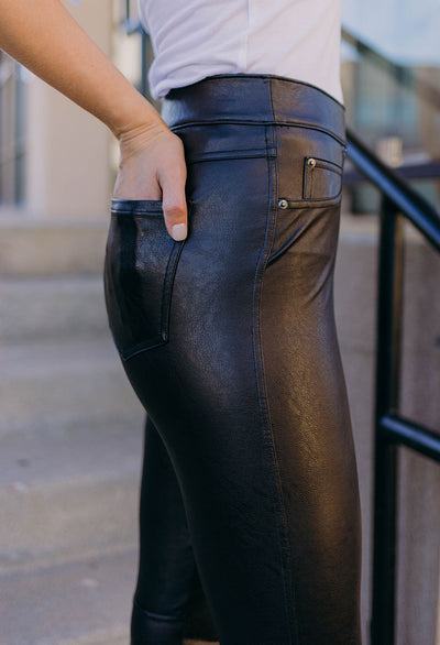 Spanx Leather Like Ankle Skinny Pant