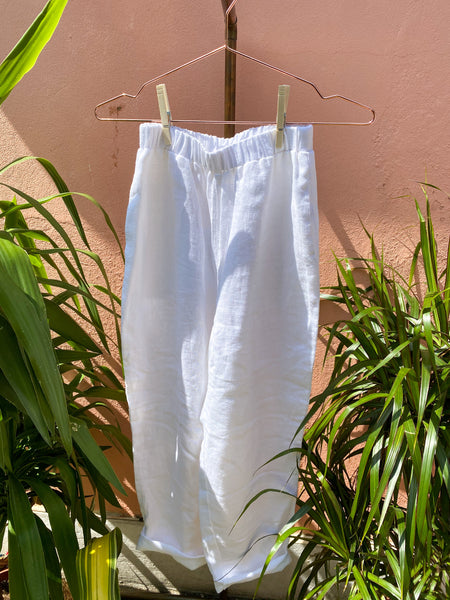 Presea Linen Relaxed Trousers in White - Presea Gold Sterling Silver Jewellery Gemstone Jewelry