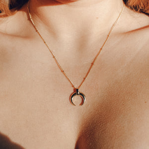 Golden Moon Crescent Necklace - Preséa