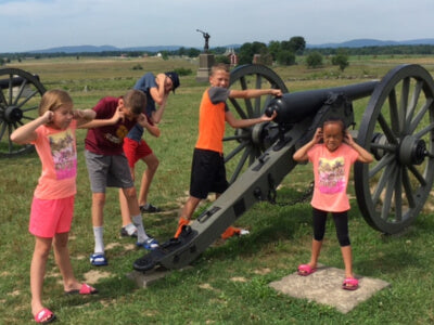 Cannon with Kids at Gettysburg