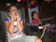 sydney so sweet and ava watching 4th of july fireworks