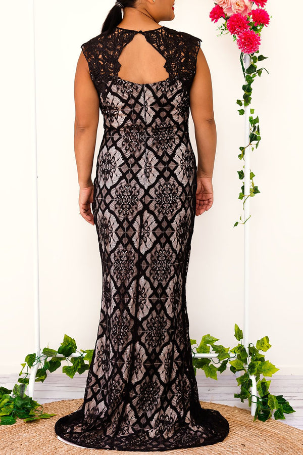 EBONY LACE DRESS-BLACK - Two Sisters Instyle