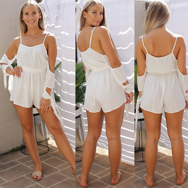 BREATHE AGAIN PLAYSUIT IN WHITE - Two Sisters Instyle