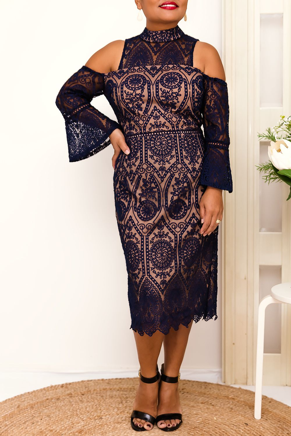 ACELINE LACE DRESS IN NAVY - Two Sisters Instyle