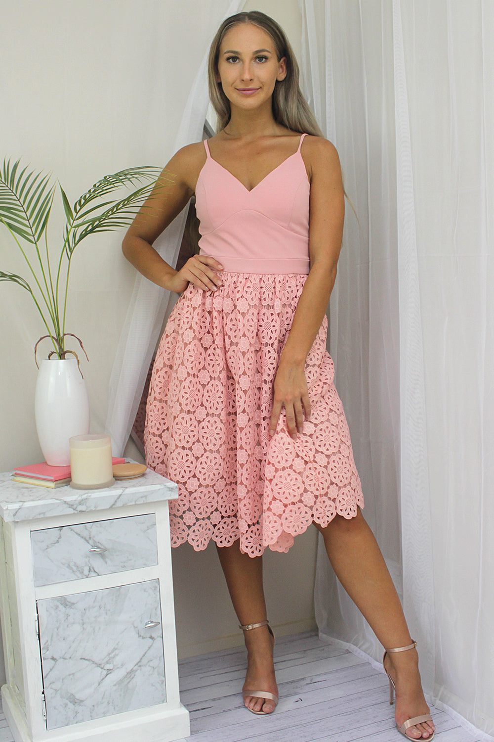 A DREAM CROCHET MIDI DRESS IN PINK - Two Sisters Instyle