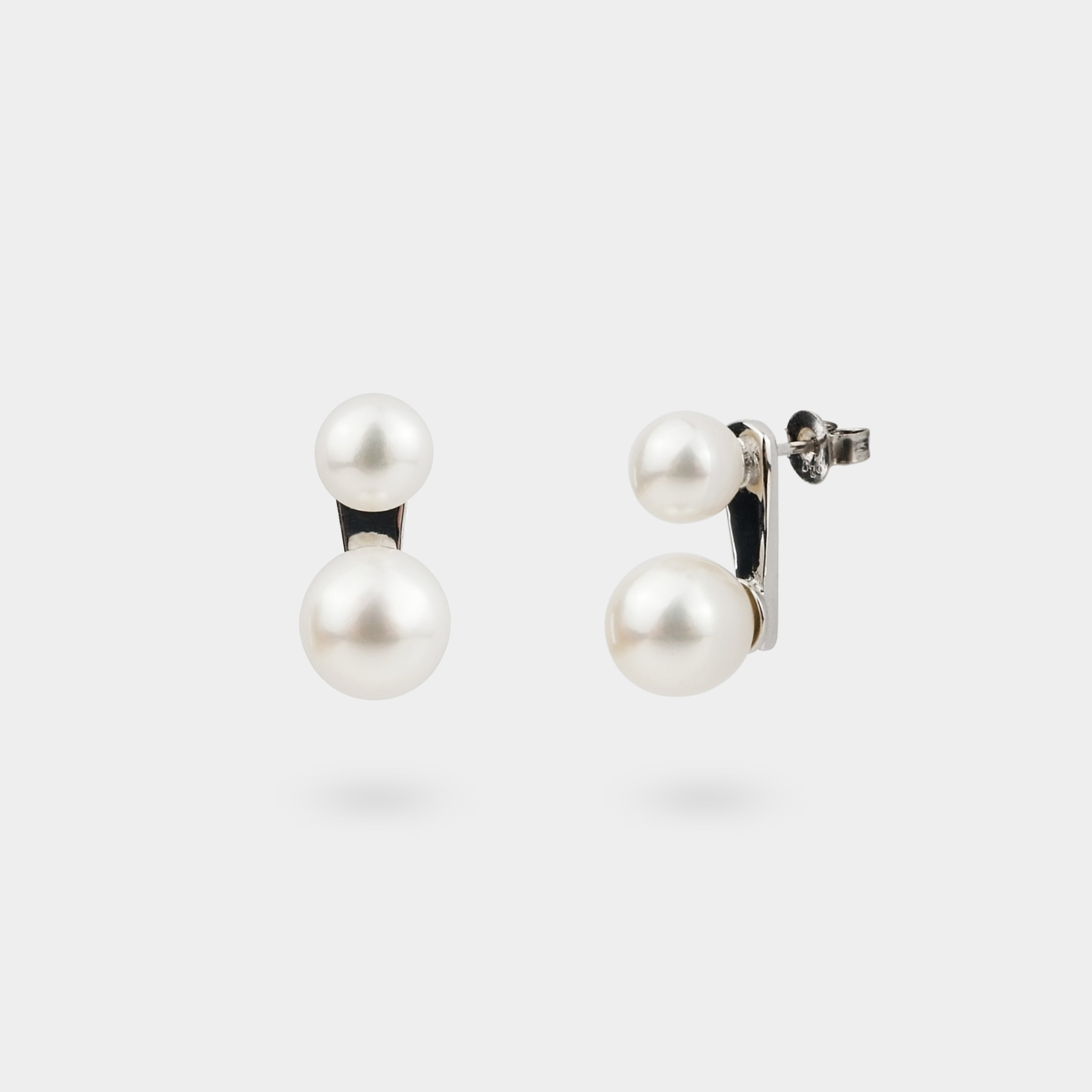 TWO-IN-A-ROW EARRINGS STUDS