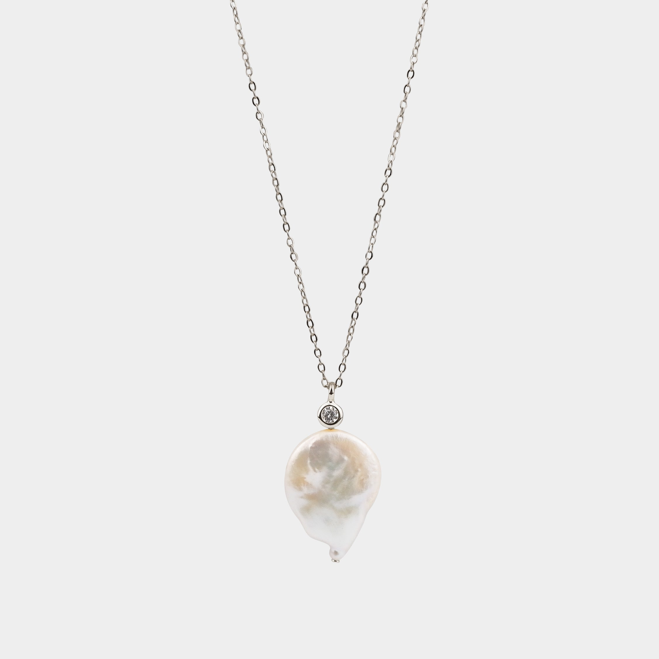MAJORIE PEARL NECKLACE