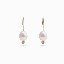 SERA PEARL EARRINGS (2 COLORS)