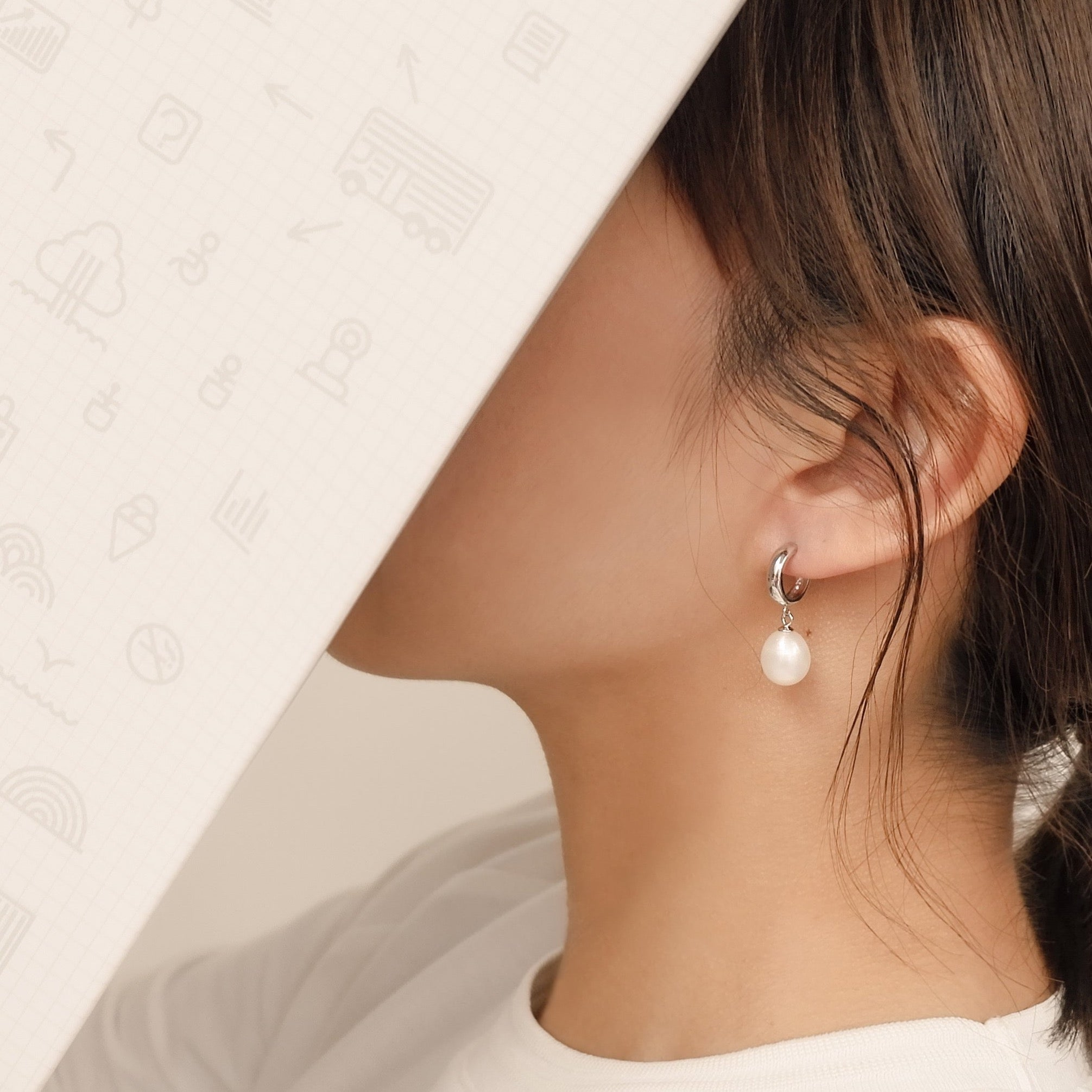 STERLING SILVER HOOP WITH DROP PEARL EARRINGS (2COLORS)