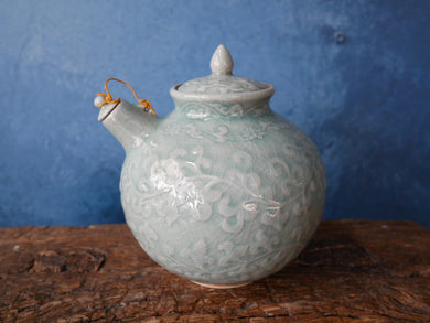 Bas-relief designed Tea pot | deep green CELADON tea pot with lids