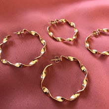 Flat twisted hoops - Large