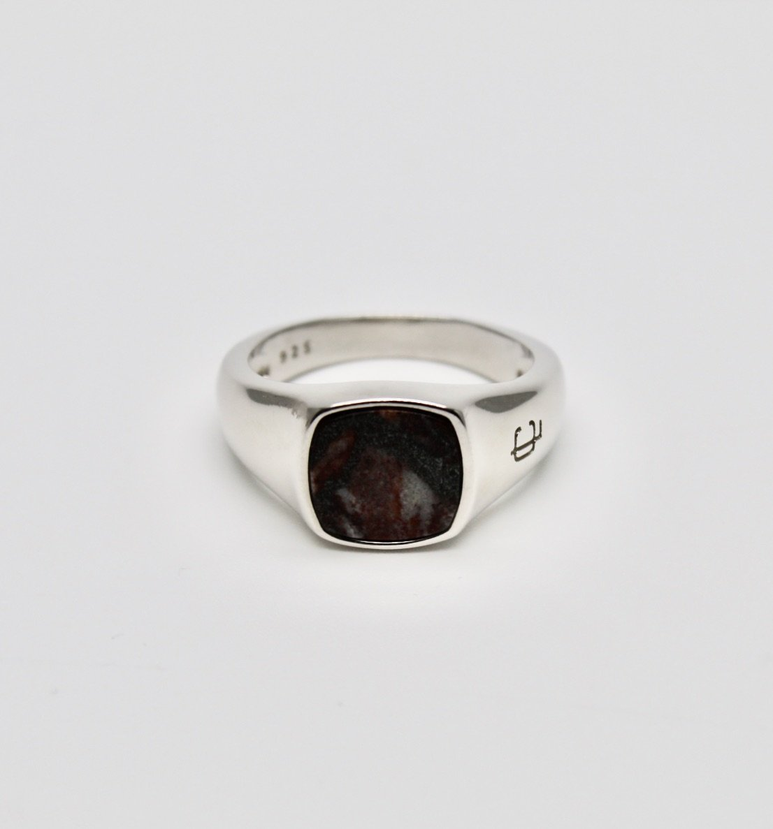 Oslo Red Marble Signet Ring - Leo Chevon (4562531451016)