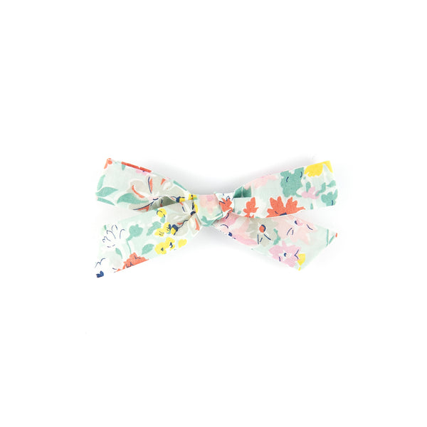 Pigtail bow - Pale Green California Bloom