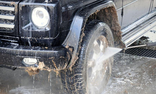 The Dos and Don'ts of Washing Mud Off Your Jeep