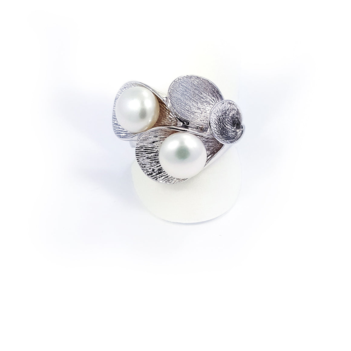 Silver ring with fresh water pearls