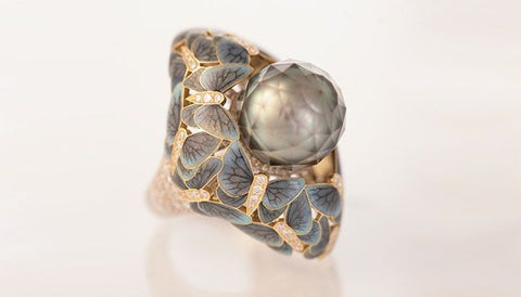 Ilgiz F Butterflies enamel ring with a Tahitian pearl faceted by Viktor Tuzlukov.