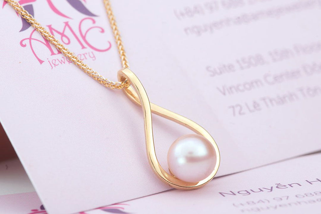 Lavender Freshwater Pearl Pendant in 14K Yellow Gold - AME Jewellery