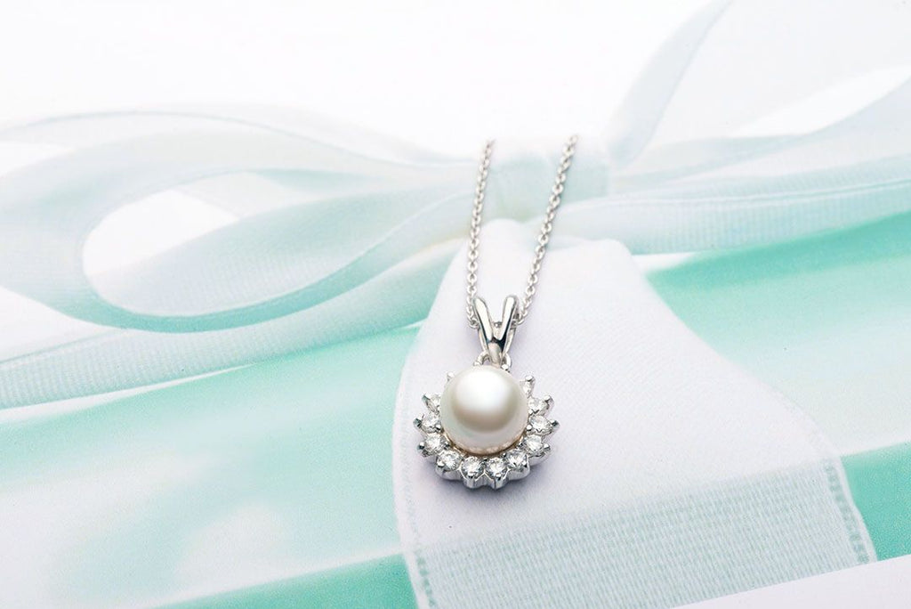 Mặt dây chuyền Ngọc trai nước ngọt trắng Freshwater  Pearl Sunflower Pendant - AME Jewellery