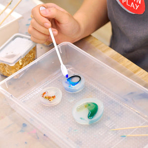 Make your own resin jewellery from scratch! (2 sessions)