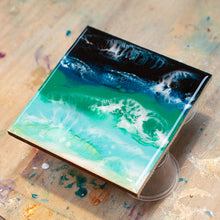 Seascape resin art techniques (intermediate)