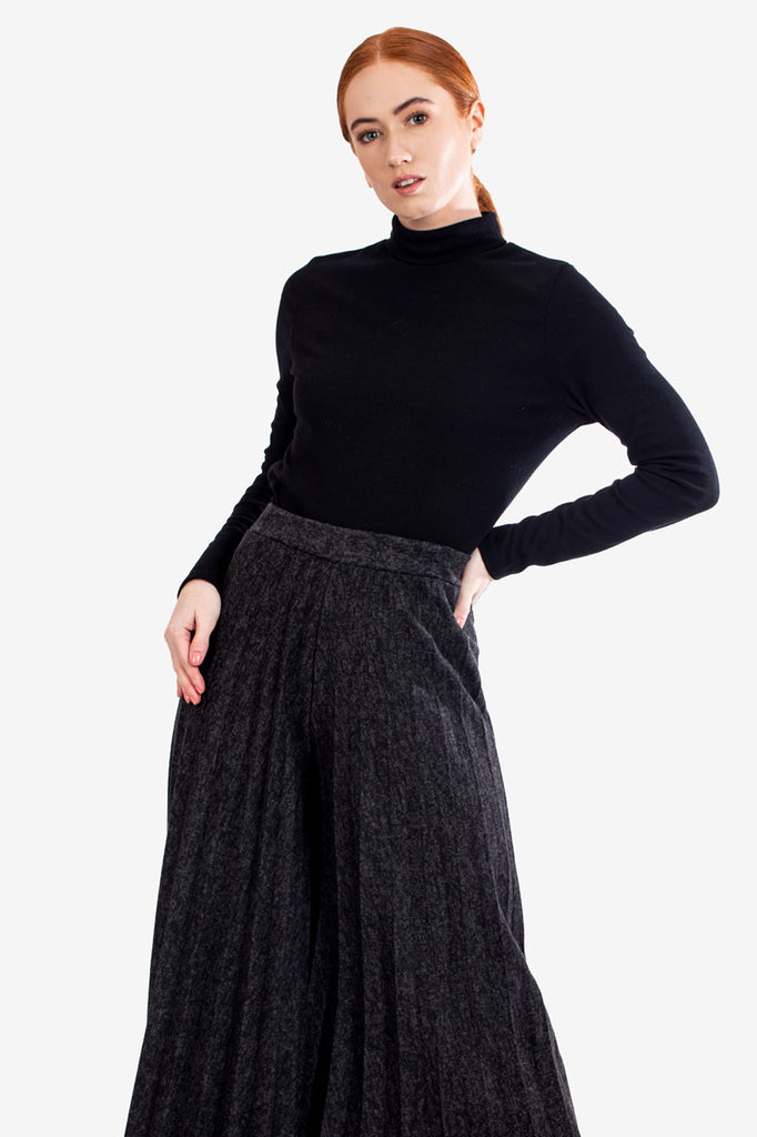 Charcoal Pleated Knitted Culottes