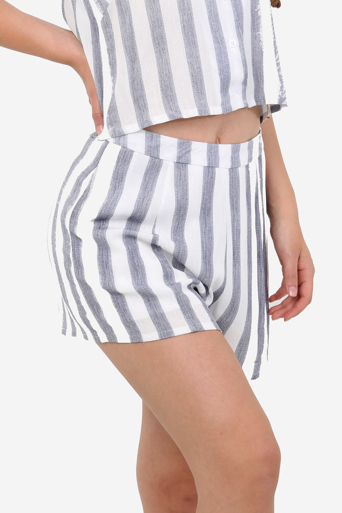 White Linen Shorts In Stripe