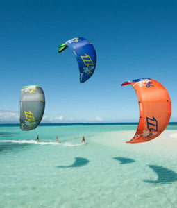 KITEBOARDING  AT UNDINE CAY TOUR