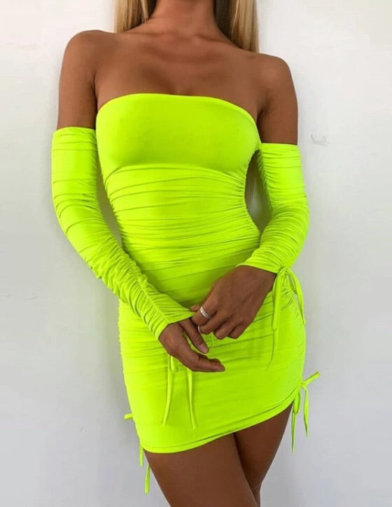 Neon - bodycon off the shoulder dress