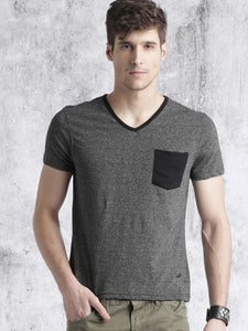 Roadster Men Charcoal Grey Solid T-shirt
