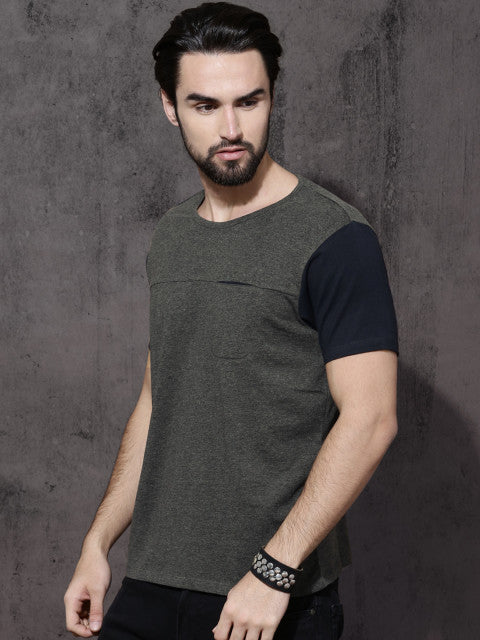 Roadster Men Charcoal Solid Round Neck T-shirt