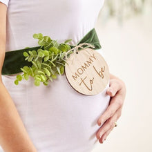 MOMMY TO BE WOODEN BABY SHOWER SASH